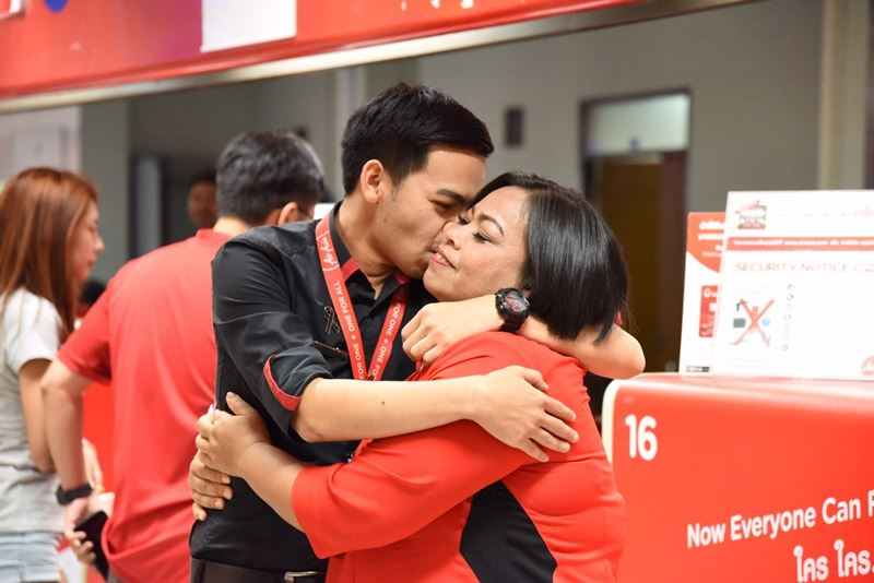 Sharing happiness and care with AirAsia Allstars and family on the Mother's Day